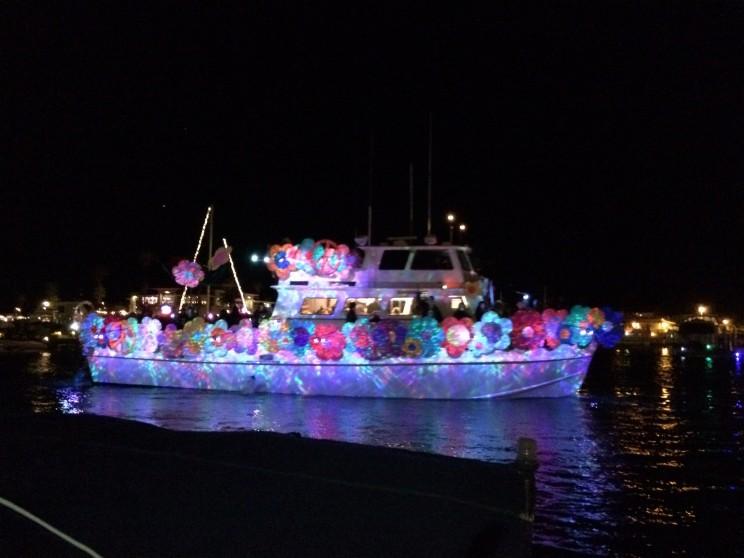 Eines der vielen toll geschmückten Boote