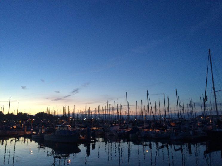 Abendessen mit Blick auf die Marina von Monterey